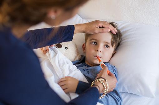 Quels sont les comportements à adopter lorsque votre enfant refuse de manger?